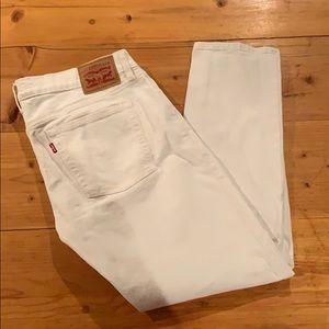Levi's white boyfriend cut jeans (size: 28)